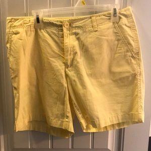 Eddie Bauer size 12 chino shorts